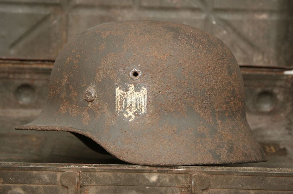 Battle damaged WH helmet M-40 from Stalingrad